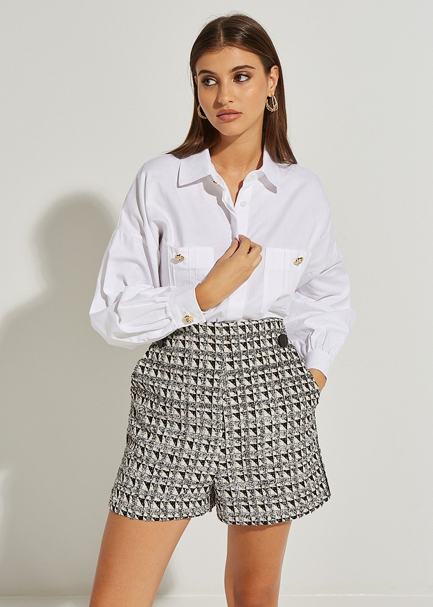 Shirt with front pockets