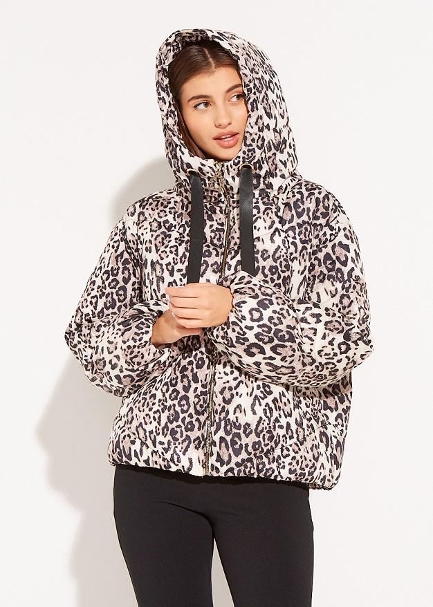 Sort jacket with animal print