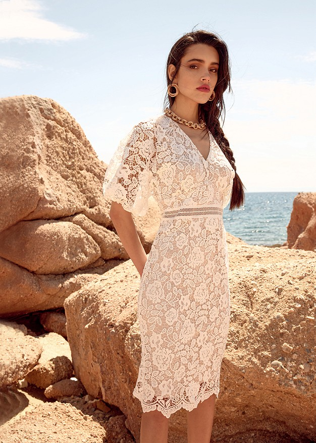 Lace dress with puffed sleeves