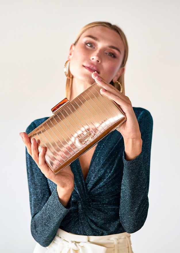 Металическа чанта клъч