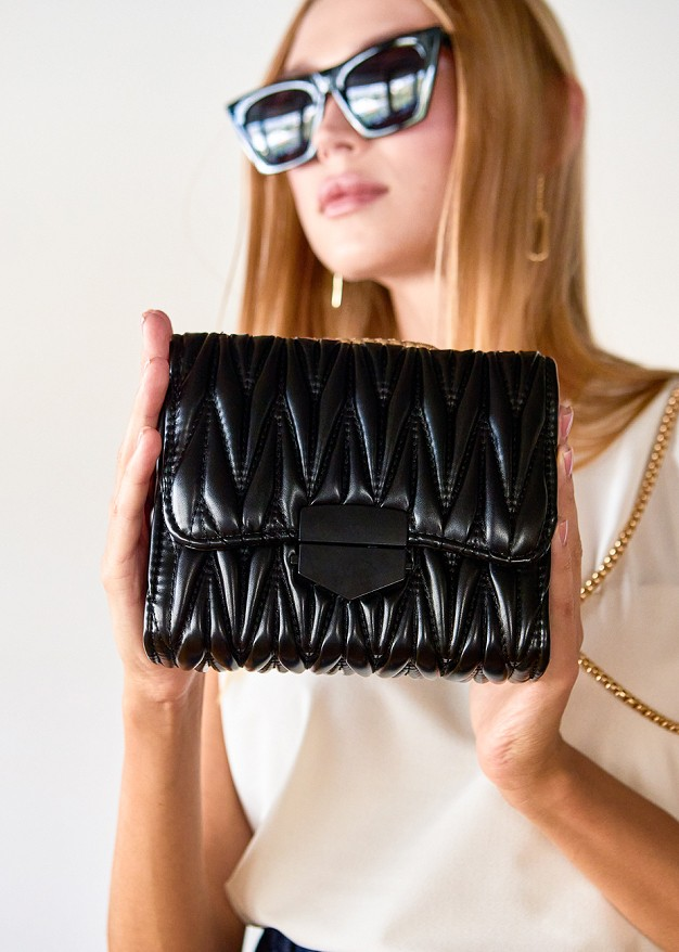 Релефна чанта