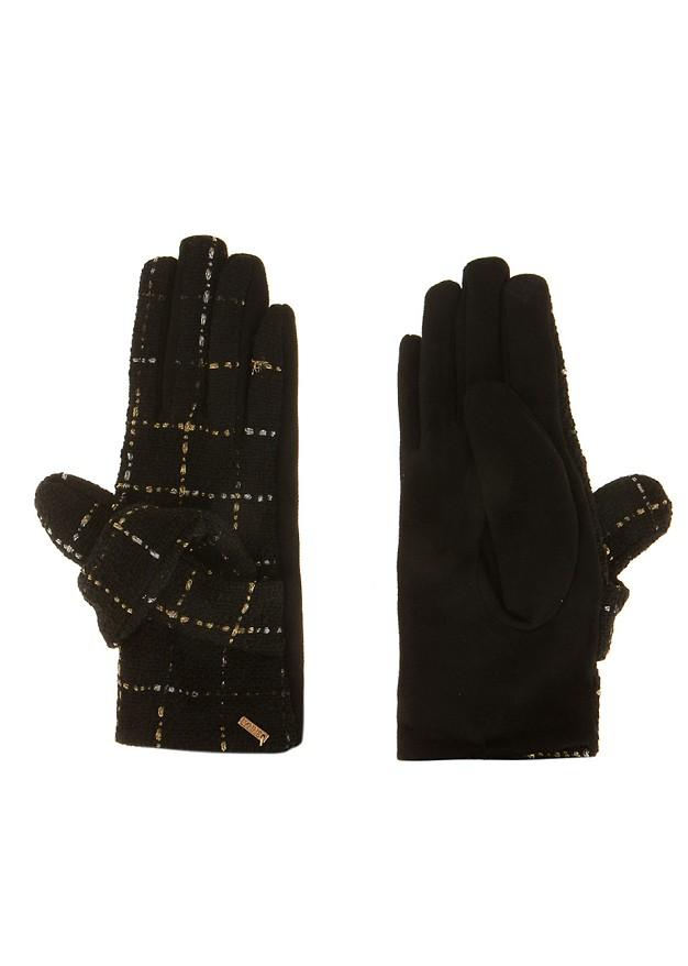 Weaved gloves