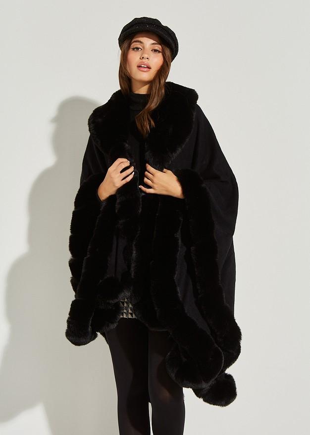 Cape with faux fur