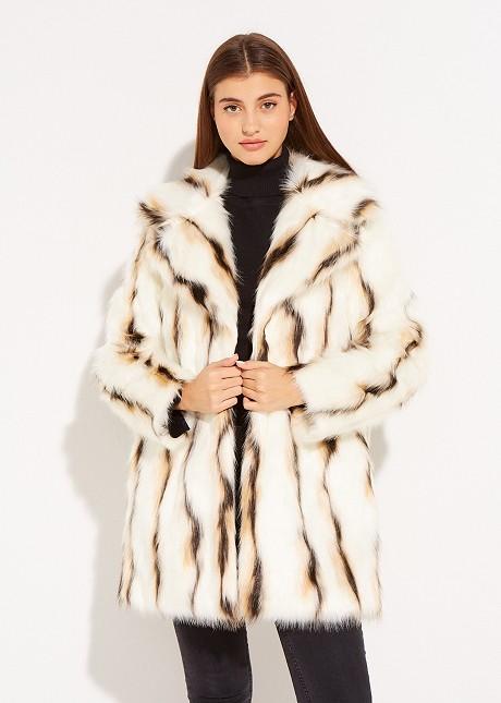 Tricolor fur