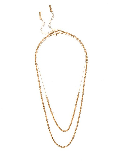 Necklace with knitted look chain