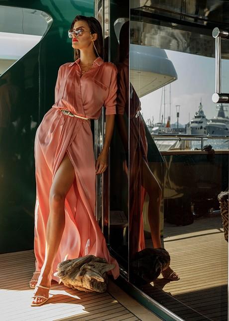 Дълга рокля с яка
