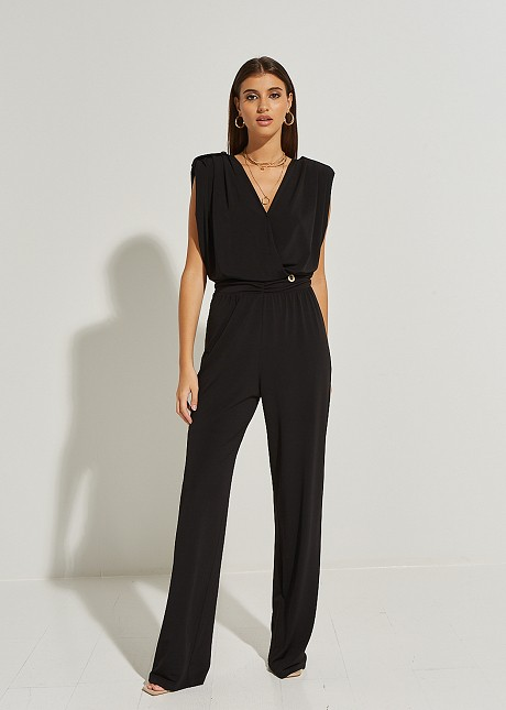 Jumpsuit with chains at the back