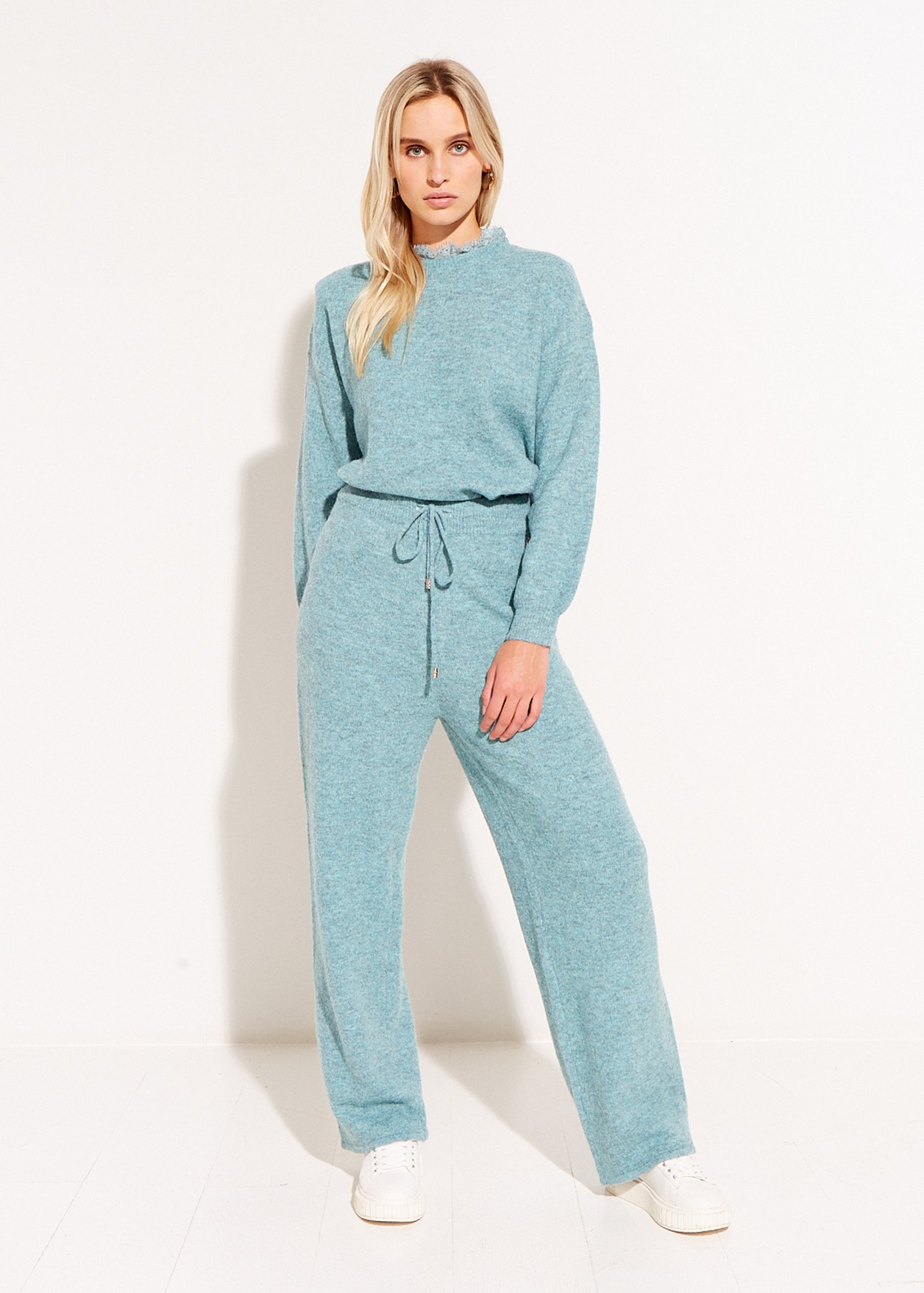 Плетен панталон с широки крачоли