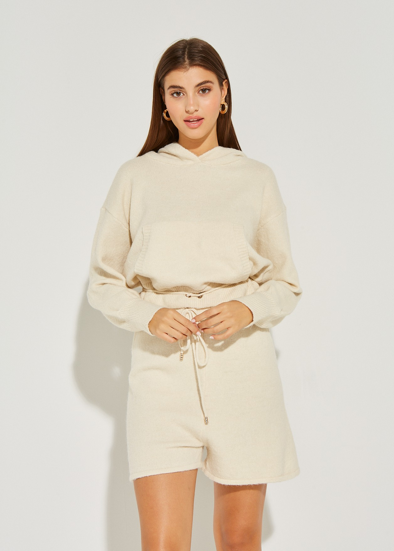 Пуловер с качулка