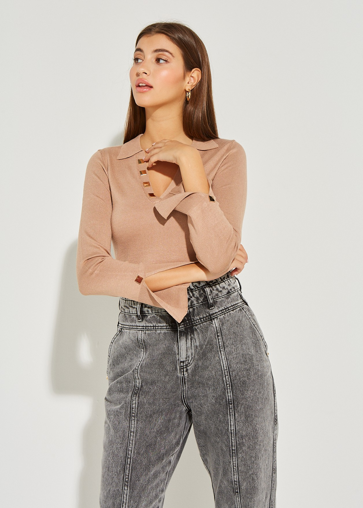 Blouse with lapel
