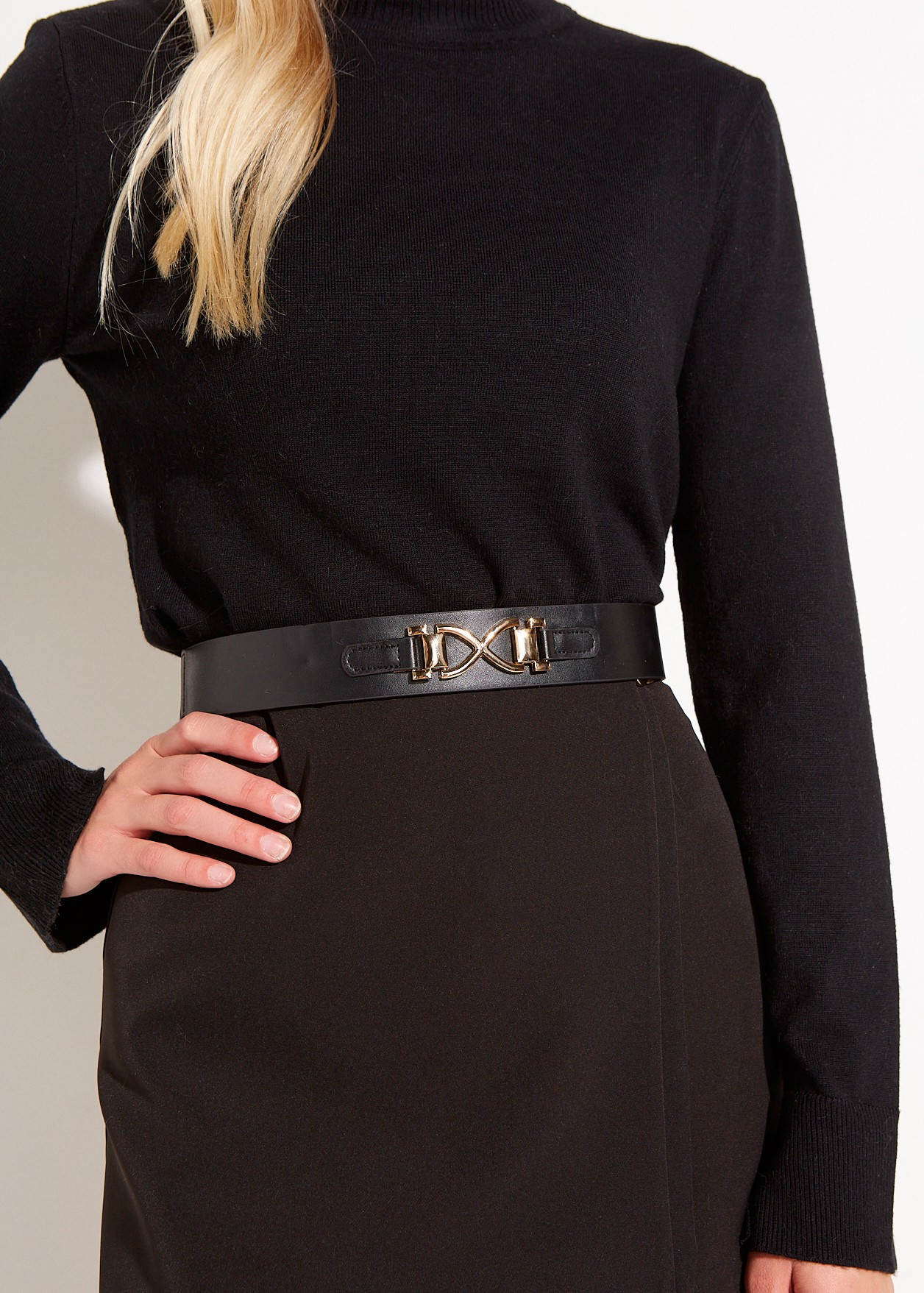 Belt with gold design