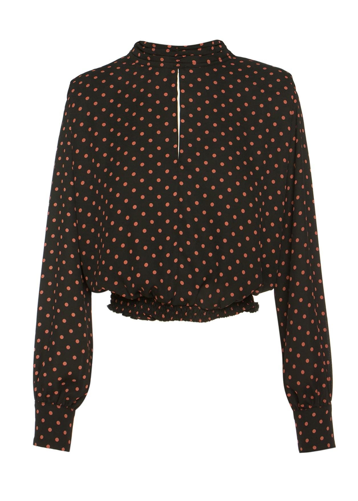 Блуза на точки с подплънки на раменете